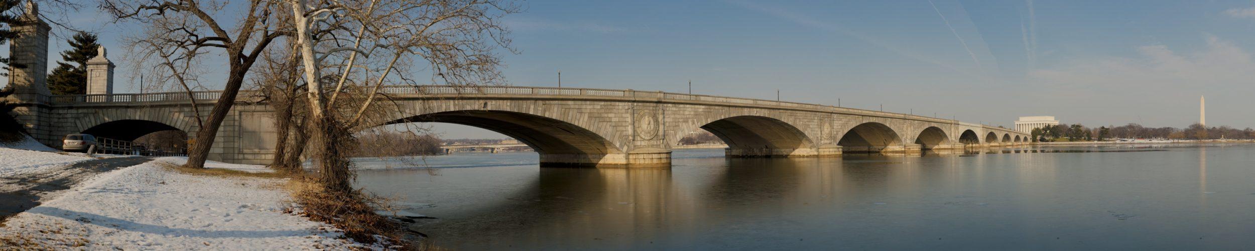 Memorial_Bridge_pano